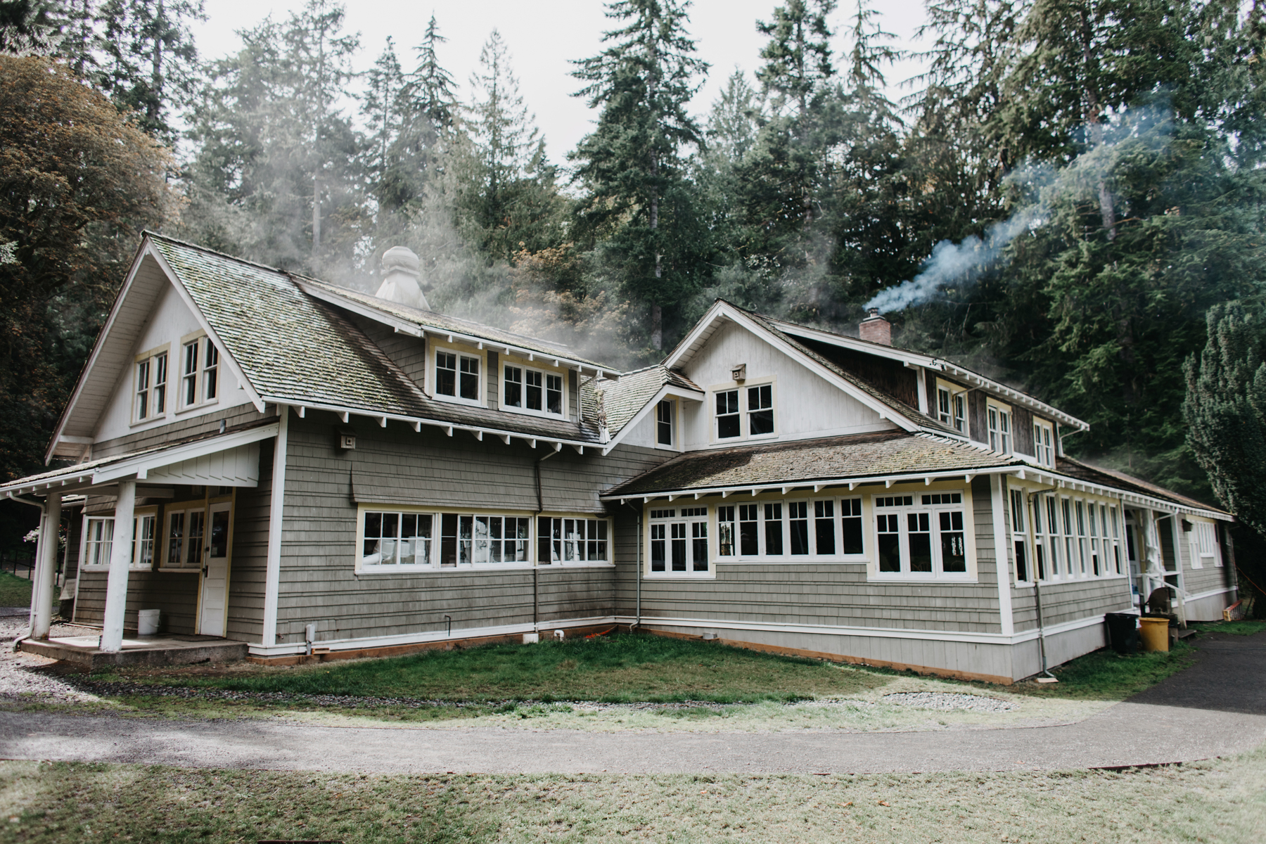 lake crescent lodge wedding